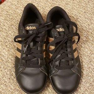 Adidas Shoes Boys sz 1